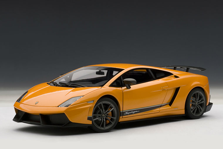 Lamborghini Gallardo LP570-4 Superleggera - 1:18 Scale Model Car