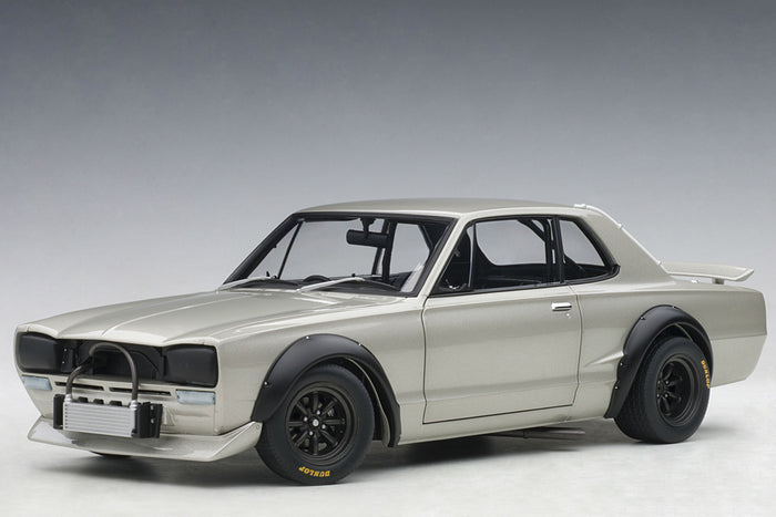 Nissan Skyline GT-R (1971 Race Version) | 1:18 Scale Diecast Model Car by AUTOart | Front Quarter