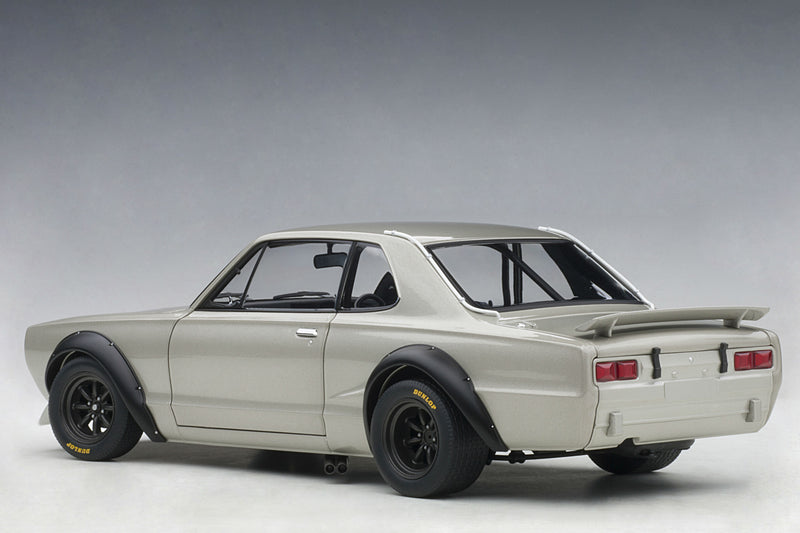 Nissan Skyline GT-R (1971 Race Version) - 1:18 Scale Diecast Model Car