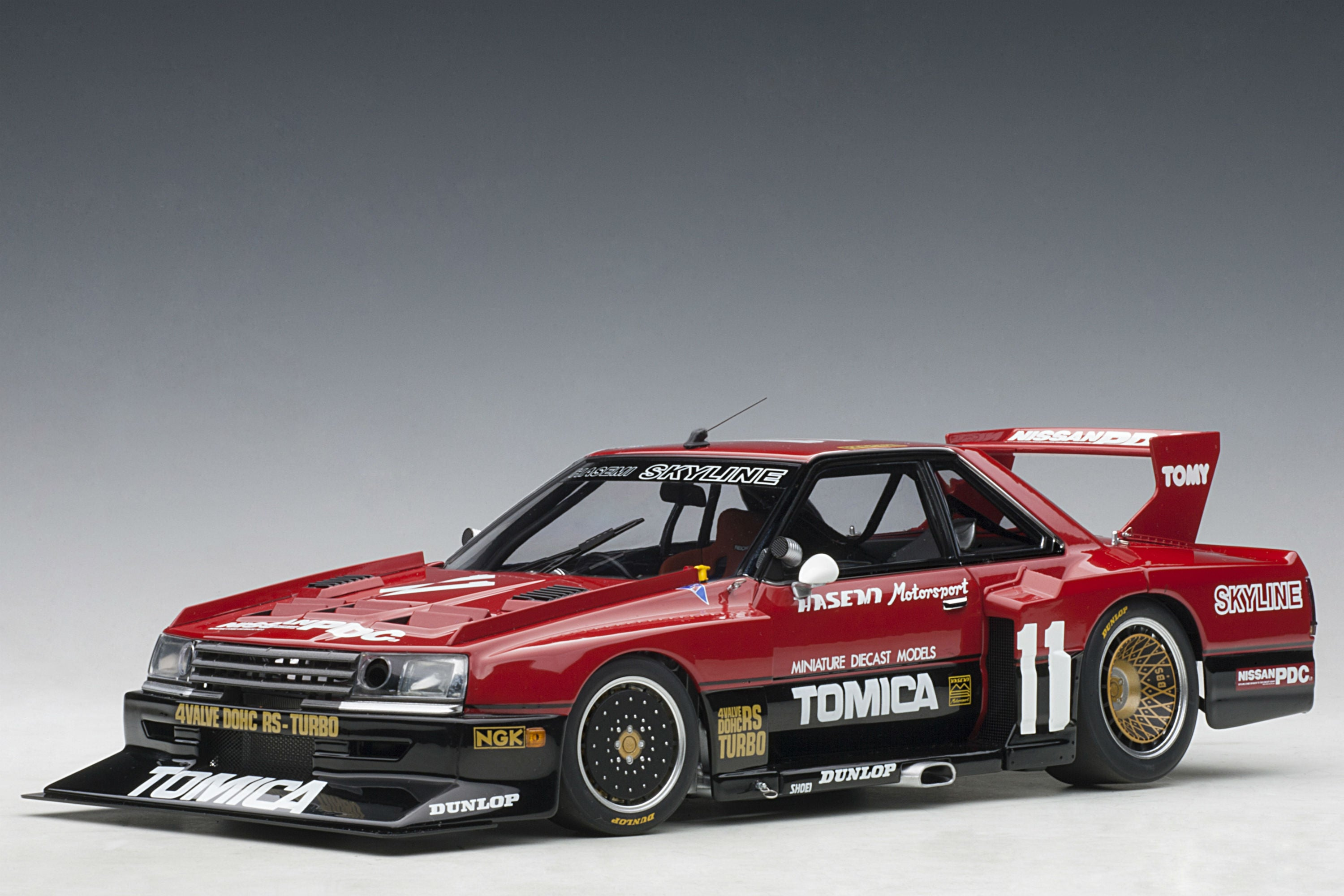 Nissan Skyline RS Turbo Super Silhouette (DR30, 1982) | 1:18 Scale Diecast Model Car by AUTOart | Front Quarter