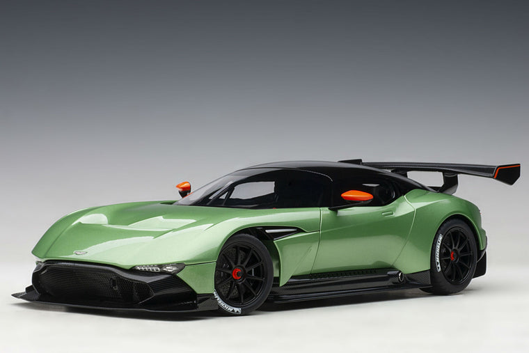 Aston Martin Vulcan - 1:18 Scale Model Car