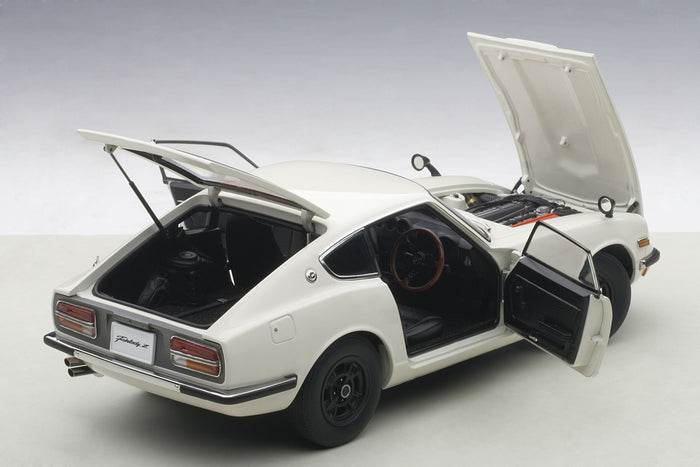 Nissan Fairlady Z432 | 1:18 Scale Diecast Model by AUTOart | Rear Open