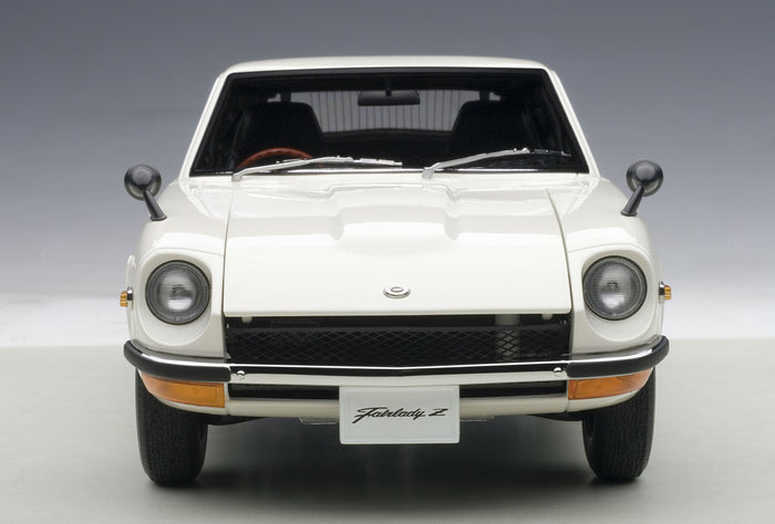 Nissan Fairlady Z432 | 1:18 Scale Diecast Model by AUTOart | Front View