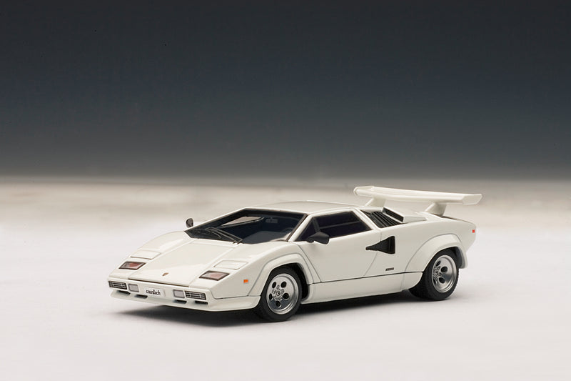 Lamborghini Countach 5000S QV | 1:43-Scale Diecast Model Car by AUTOart | Front Quarter