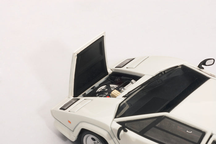 Lamborghini Countach 5000S QV | 1:43-Scale Diecast Model Car by AUTOart | Front Detail