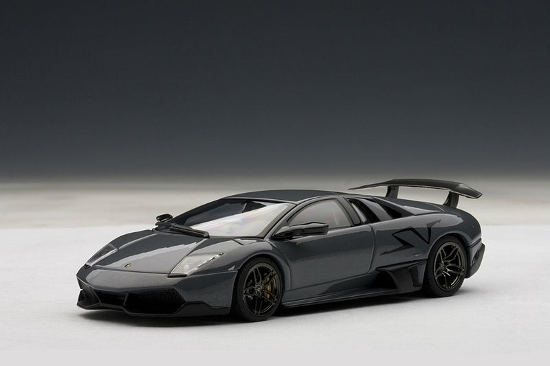 Lamborghini Murcielago LP670-4 SV | 1:43 Scale Diecast Model Car by AUTOart | Front Quarter