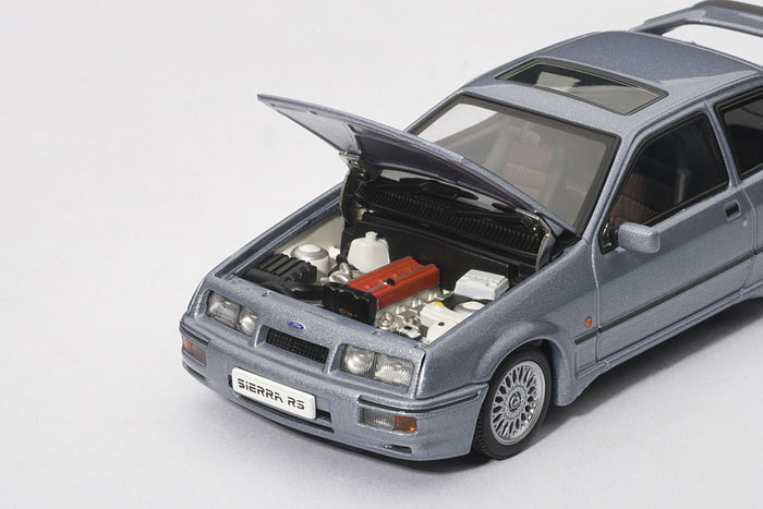 Ford Sierra RS500 Cosworth | 1:43-Scale Diecast Model Car by AUTOart | Engine Detail
