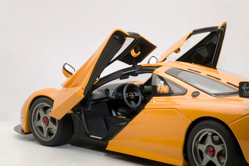 McLaren F1 LM | 1:18 Scale Diecast Model by AUTOart | Left Interior