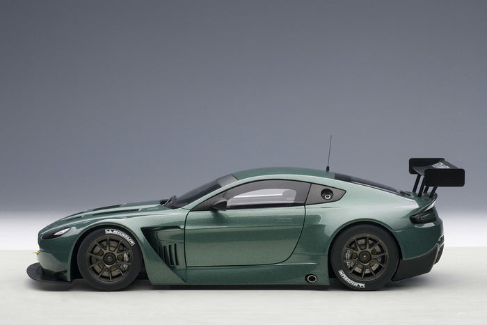 Aston Martin Vantage V12 GT3 | 1:18 Scale Model by AUTOart | Profile