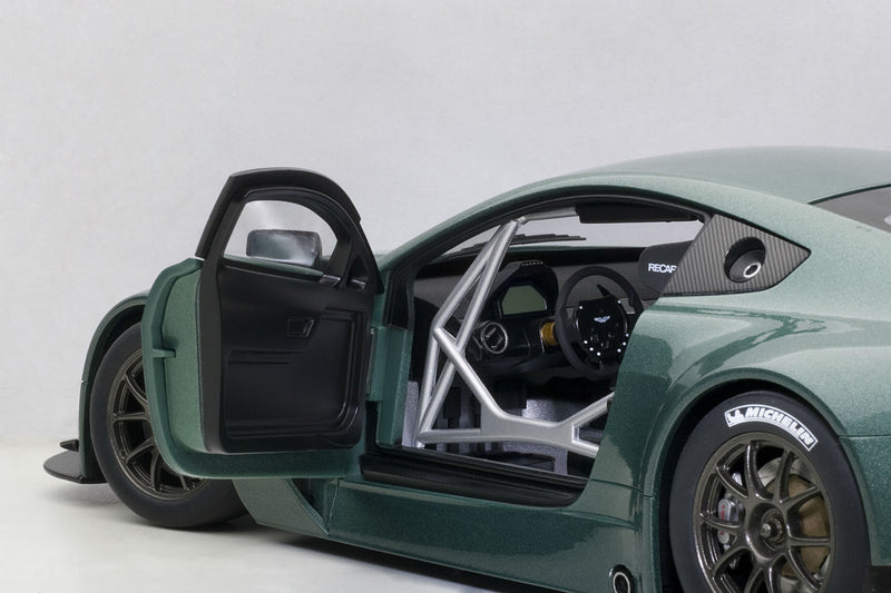 Aston Martin Vantage V12 GT3 | 1:18 Scale Model by AUTOart | Interior Detail
