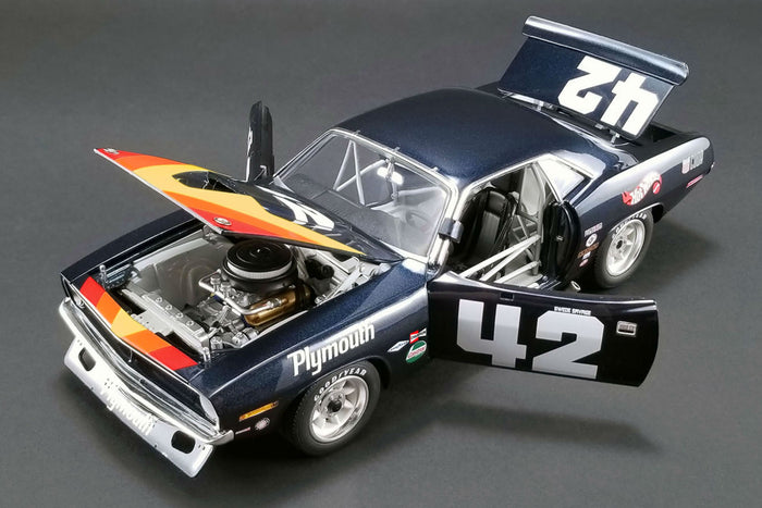 Plymouth Barracuda Trans Am (Swede Savage) | 1:18 Scale Diecast Model Car by Acme Trading Co. | Opening Parts