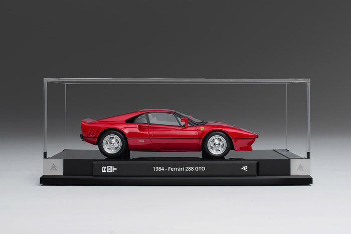 Ferrari 288 GTO (1984) | 1:18 Scale Model Car by Amalgam Collection | Display Case