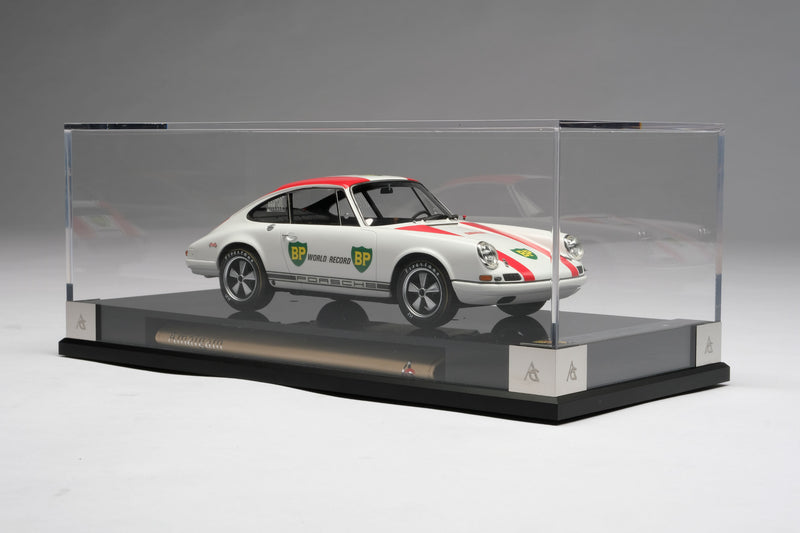 Porsche 911R (1967) | 1:18 Scale Model Car by Amalgam Collection | Display Case