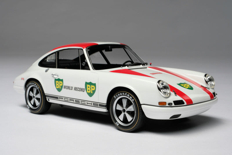 Porsche 911R (1967) | 1:18 Scale Model Car by Amalgam Collection | Front Quarter