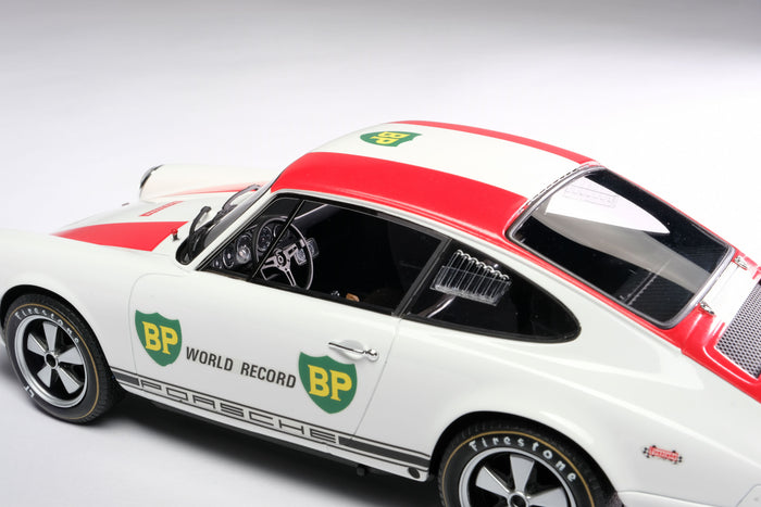 Porsche 911R (1967) | 1:18 Scale Model Car by Amalgam Collection | Left Detail