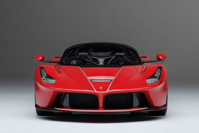 Ferrari LaFerrari Aperta | 1:18 Scale Model Car by Amalgam Collection | Front