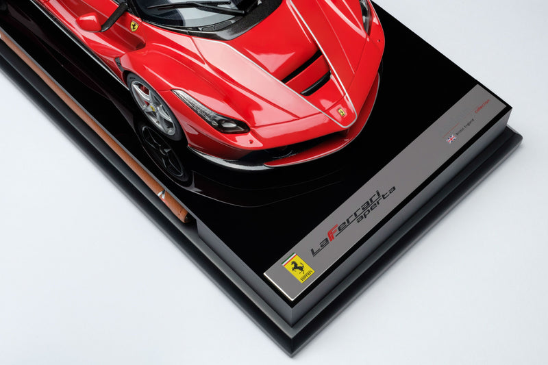 Ferrari LaFerrari Aperta | 1:18 Scale Model Car by Amalgam Collection | Nameplate