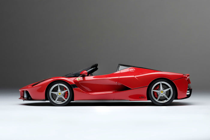 Ferrari LaFerrari Aperta | 1:18 Scale Model Car by Amalgam Collection | Profile