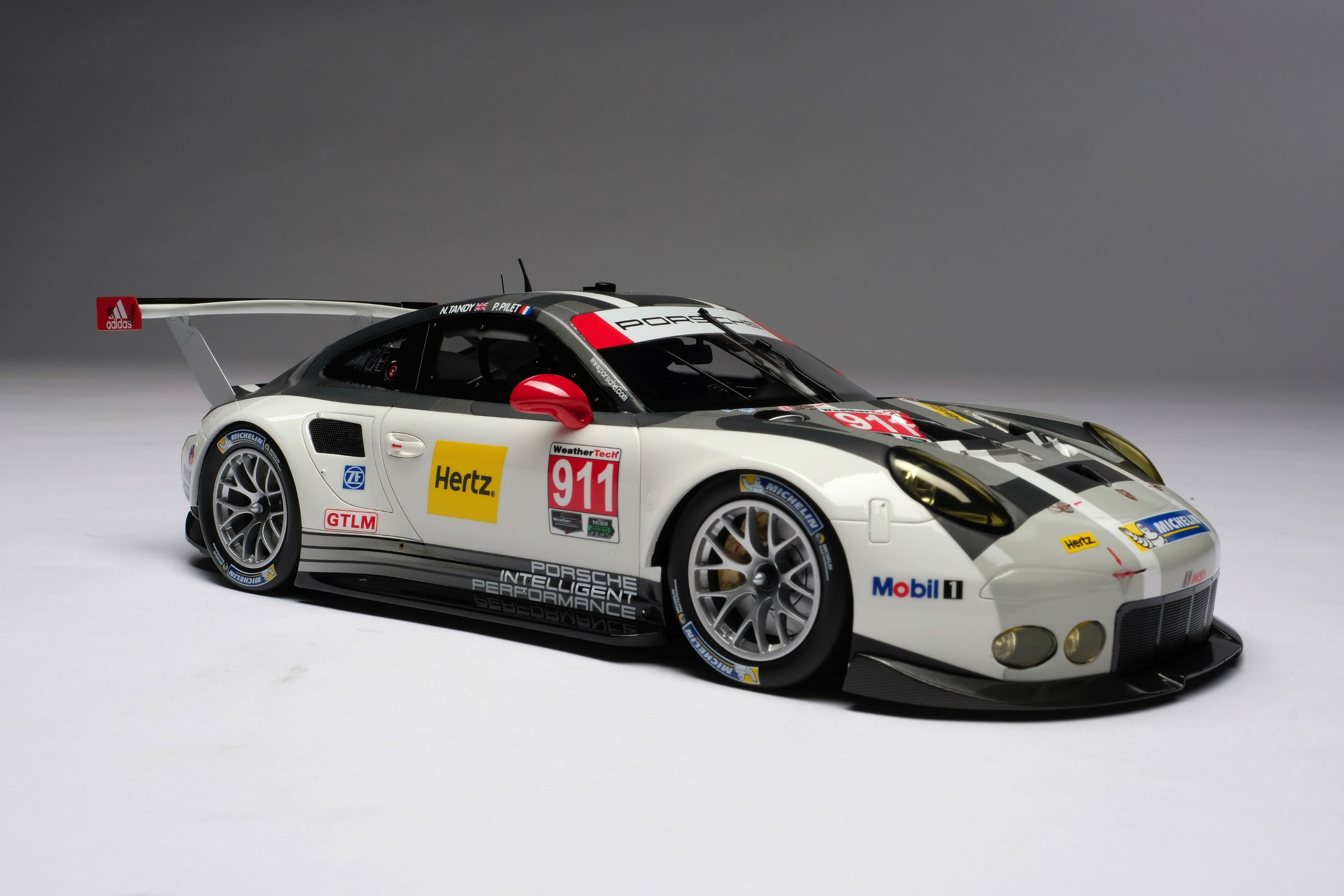 Porsche 911 RSR (2016) | 1:18 Scale Model Car by Amalgam Collection | Front Quarter