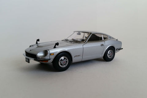 Nissan Fairlady Z S30 | 1:43-Scale Diecast Model Car by Ebbro | Front Quarter
