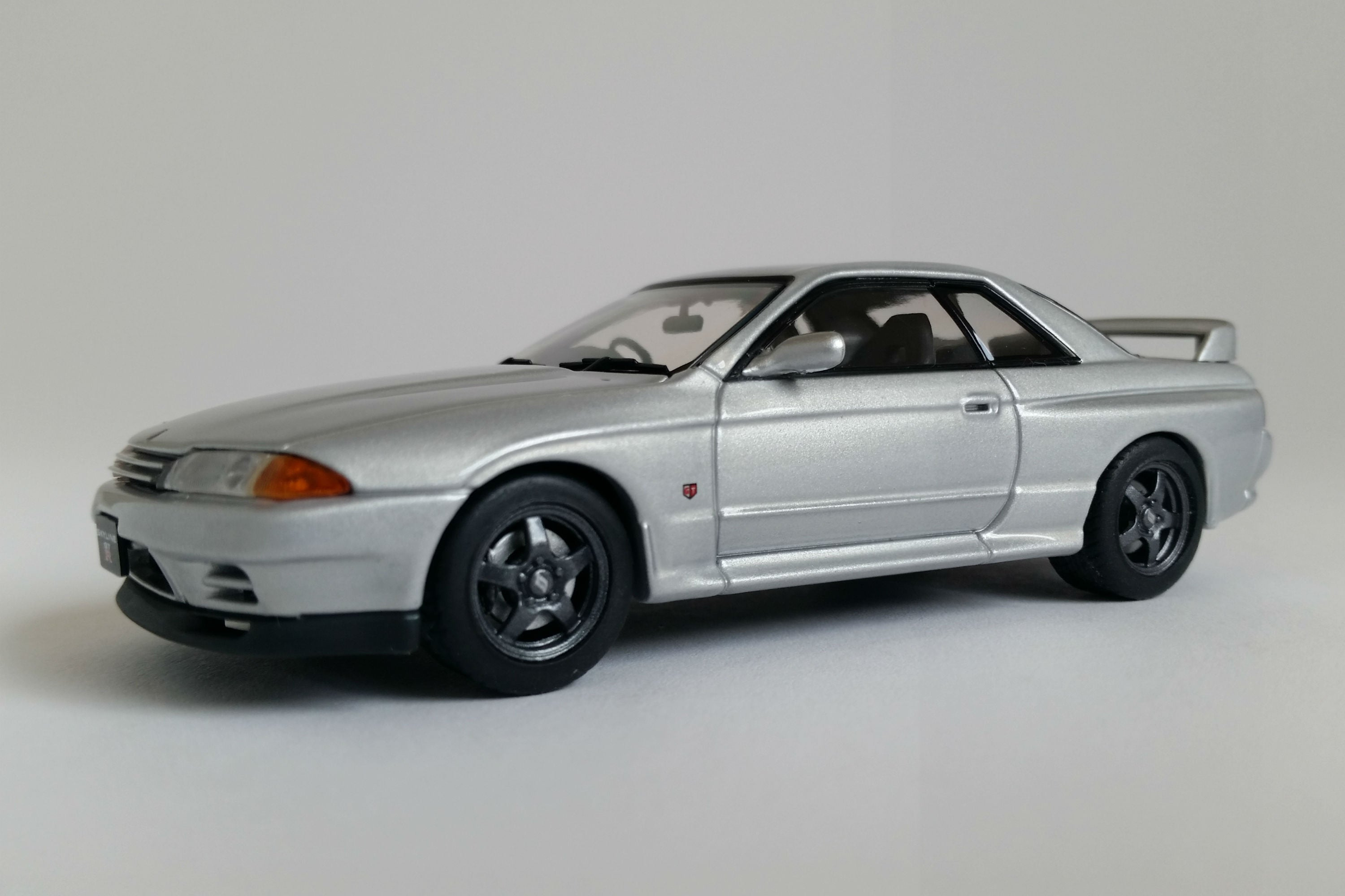 nissan skyline gt r r32 1 43 scale diecast model car. Black Bedroom Furniture Sets. Home Design Ideas