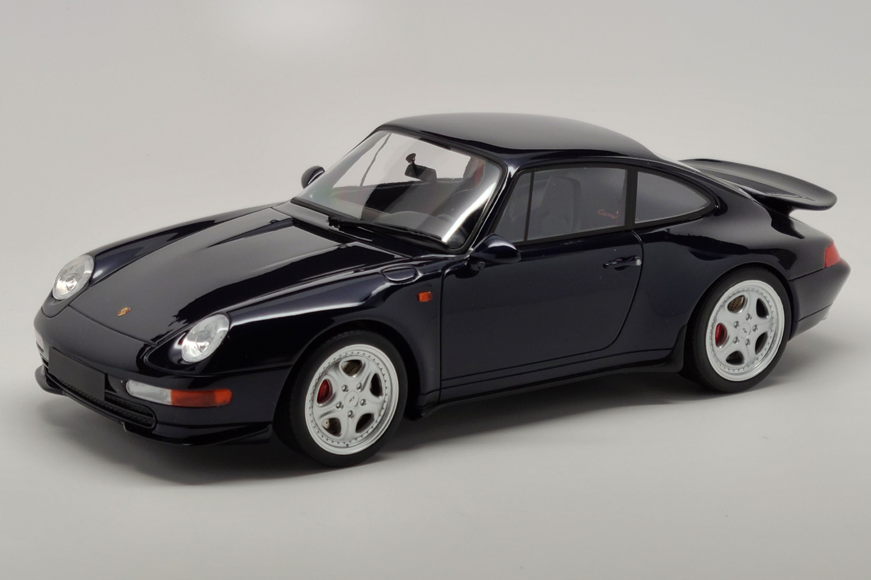 Porsche 993 Carrera RS | 1:18 Scale Model Car by GT Spirit | Front Quarter