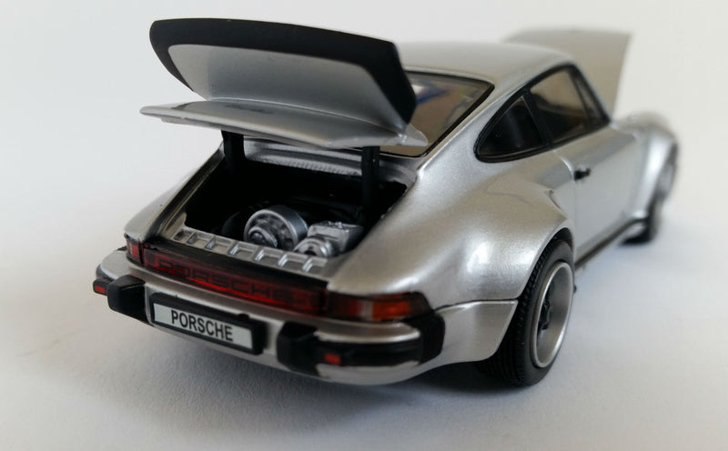Porsche 930 Turbo (1975) | 1:43-Scale Diecast Model Car by Kyosho| Engine
