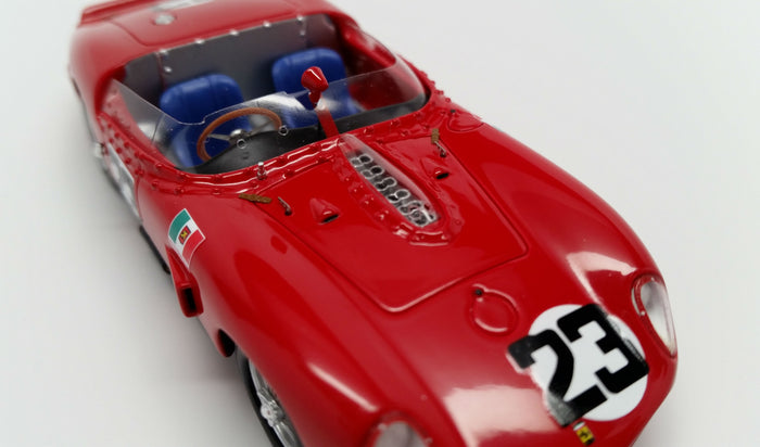 Ferrari 250TRI/61 (12 Hours of Sebring Winner) | 1:43 Scale Model Car by Looksmart | Front Detail