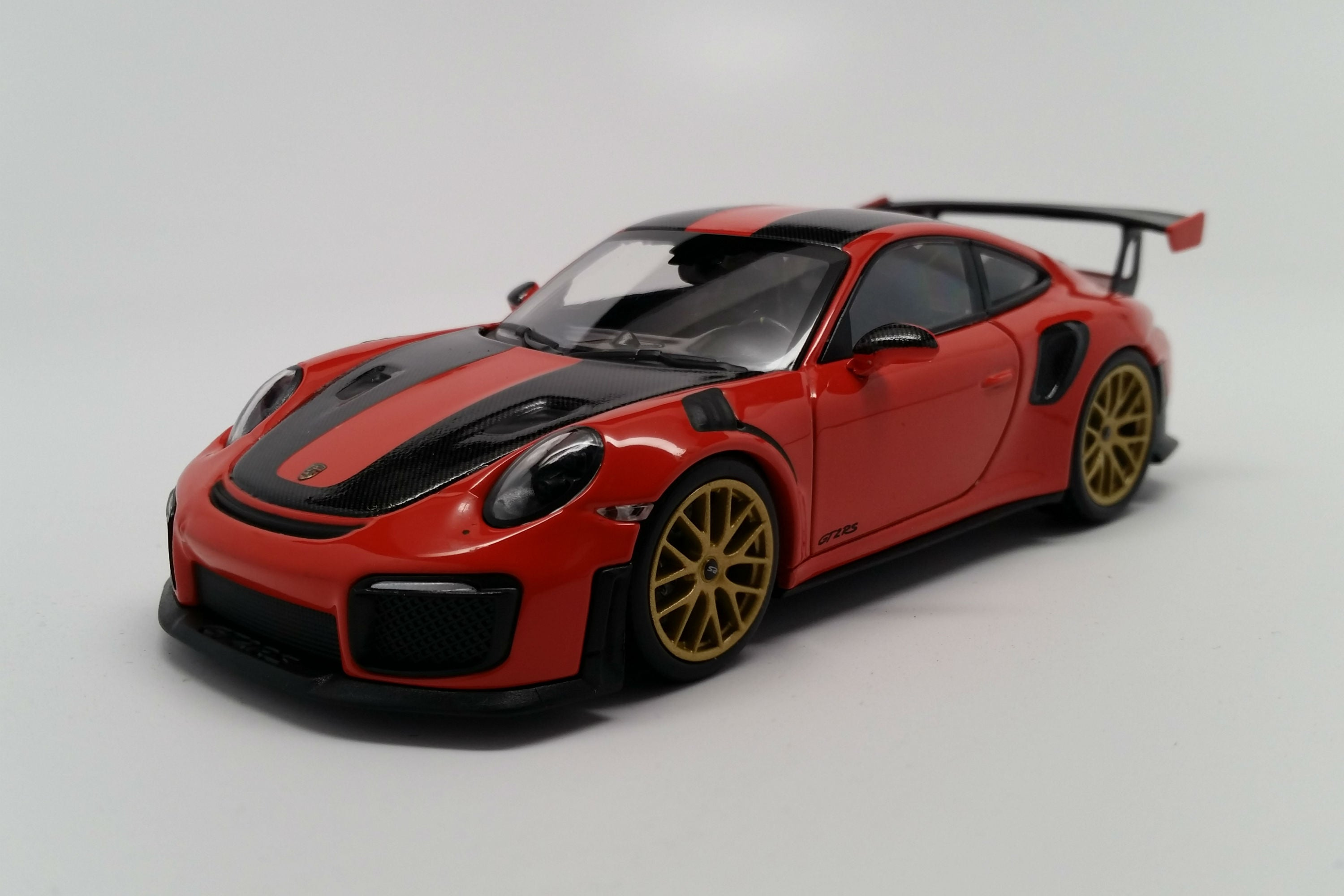 Porsche 911 GT2RS Weissach Package (991.2) | 1:43 Scale Diecast Model Car by Minichamps | Front Quarter