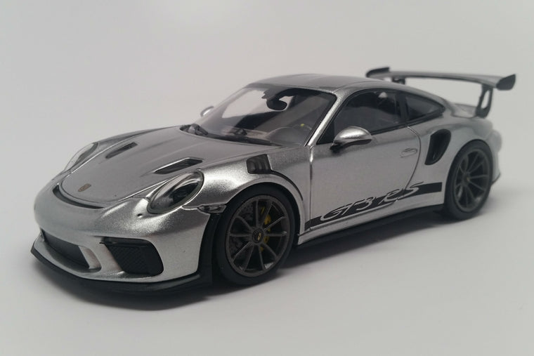 Porsche 911 GT3RS (991.2) - 1:43 Scale Diecast Model Car