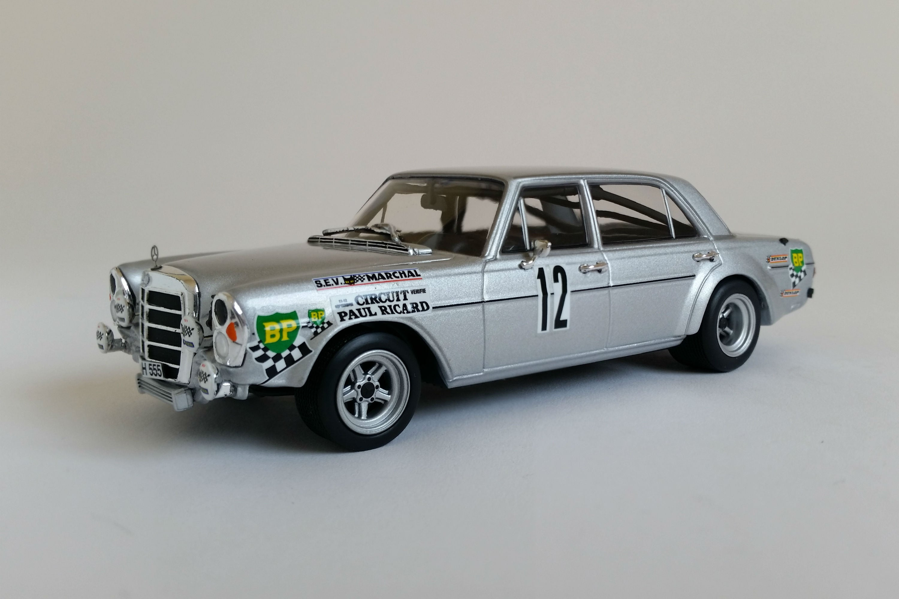 Mercedes-Benz 300SEL 6.8 AMG | 1:43 Scale Diecast Model Car by Minichamps | Front Quarter