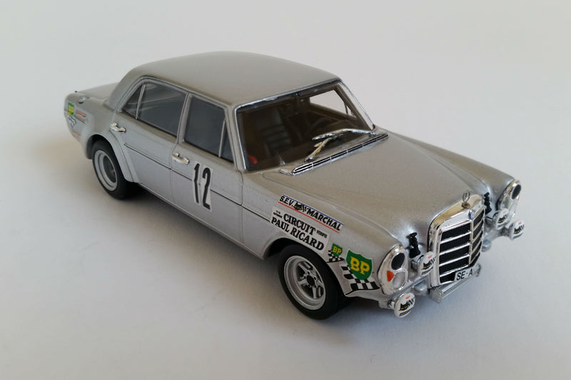 Mercedes-Benz 300SEL 6.8 AMG | 1:43 Scale Diecast Model Car by Minichamps | Overhead