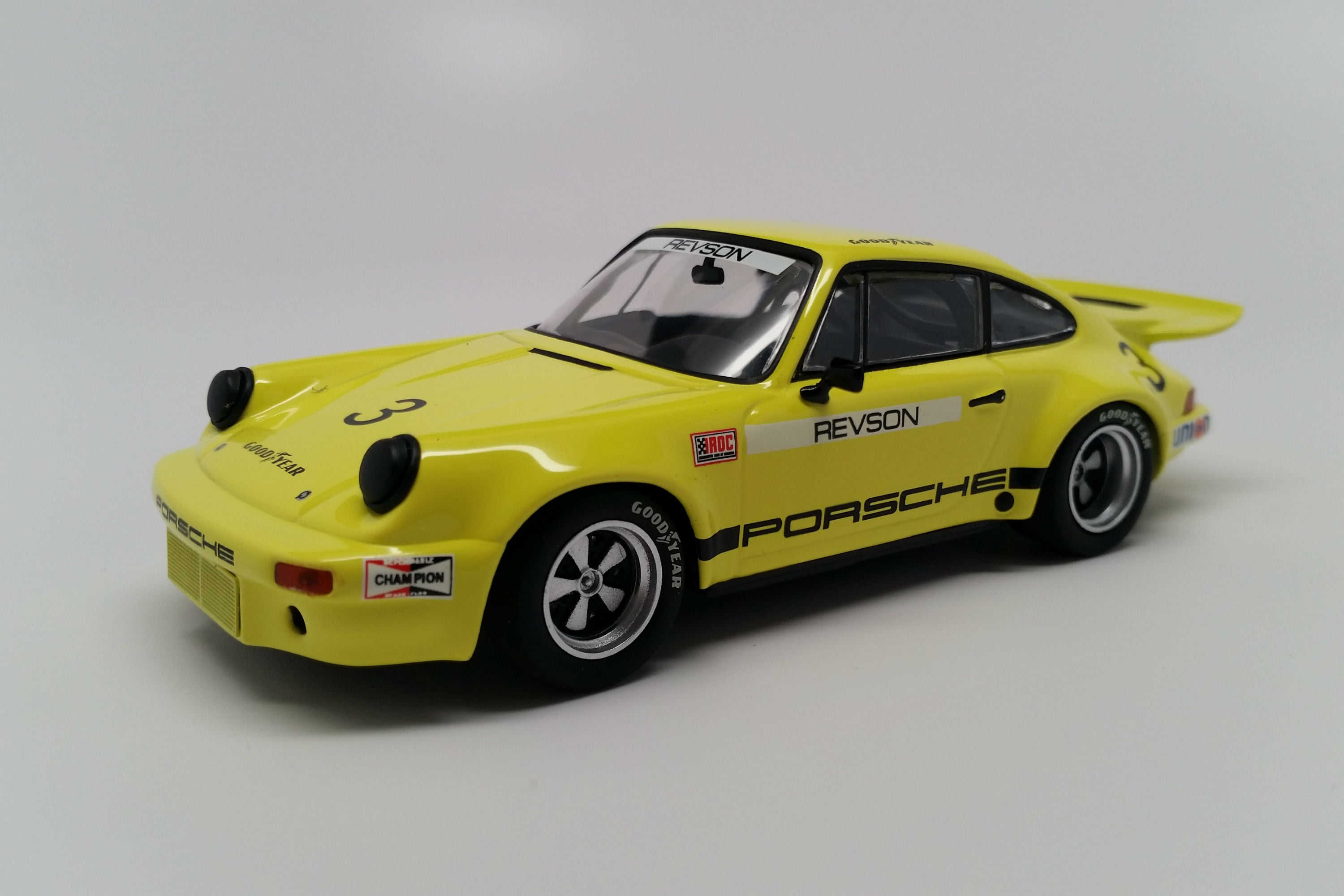 Porsche 911 Carrera 3.0 IROC RSR | 1:43 Scale Diecast Model Car by Minichamps | Front Quarter