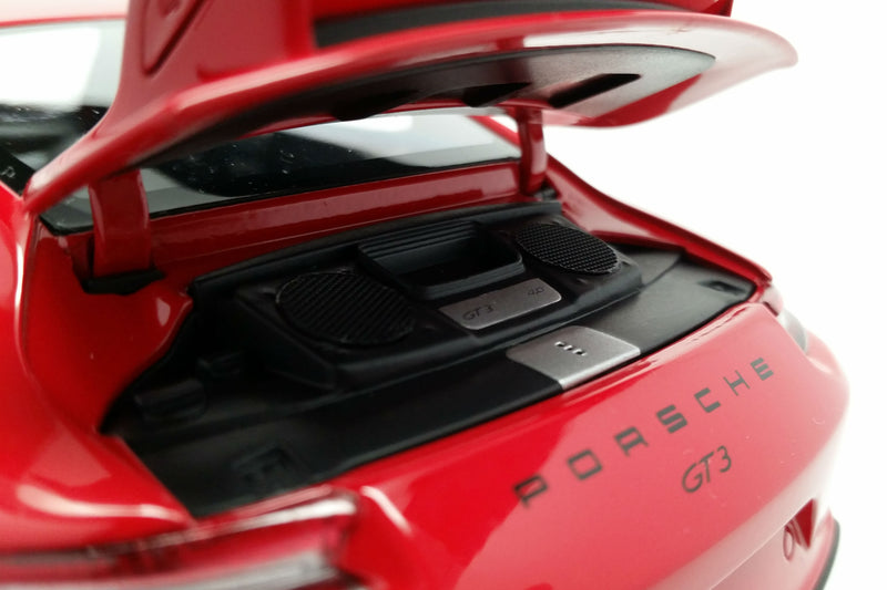 Porsche 911 GT3 (991.2) | 1:18 Scale Diecast Model Car by Minichamps | Engine Cover
