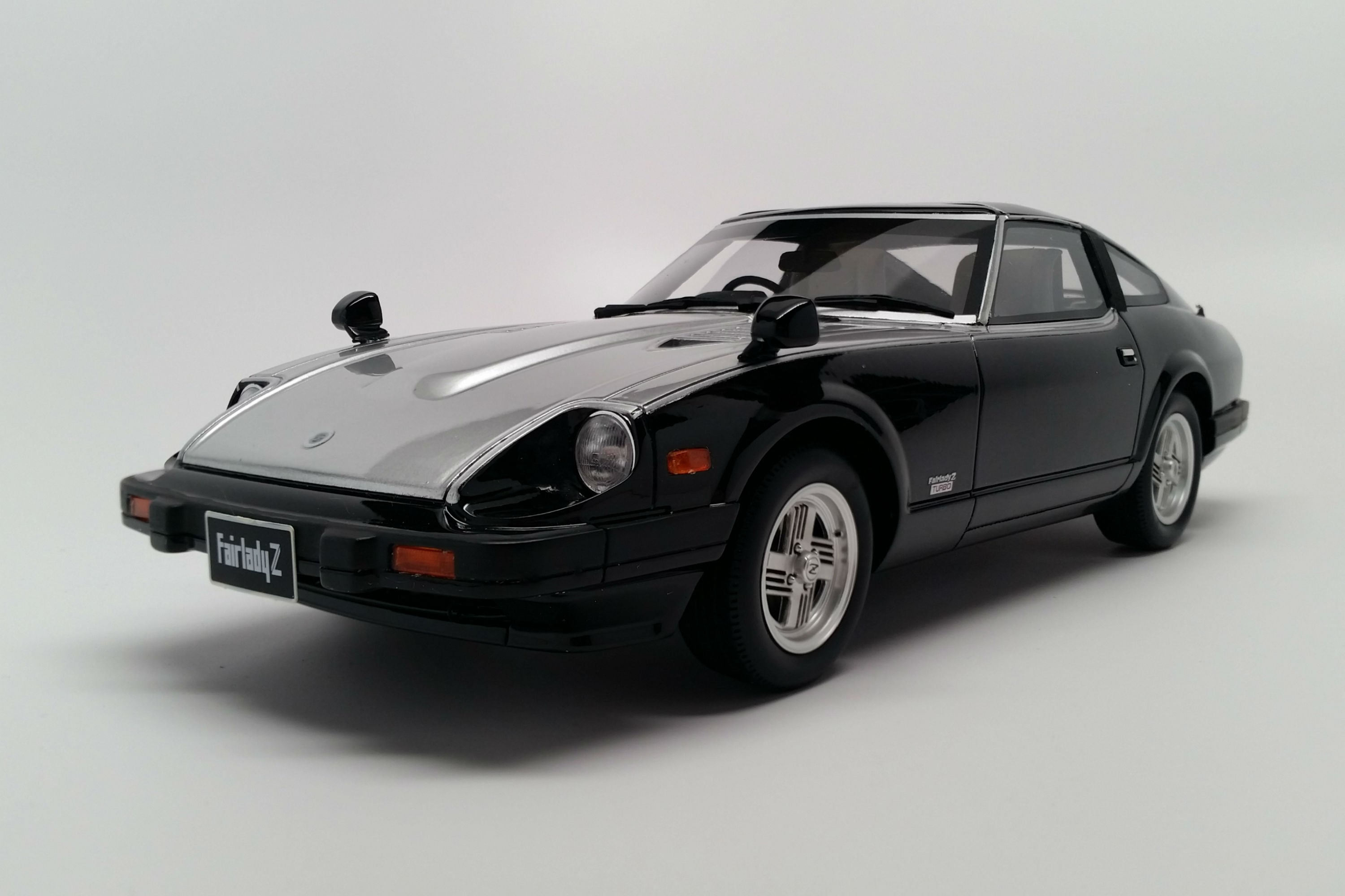 Nissan Fairlady Z-T Turbo (1983) | 1:18 Scale Model Car by Ottomobile | Front Quarter