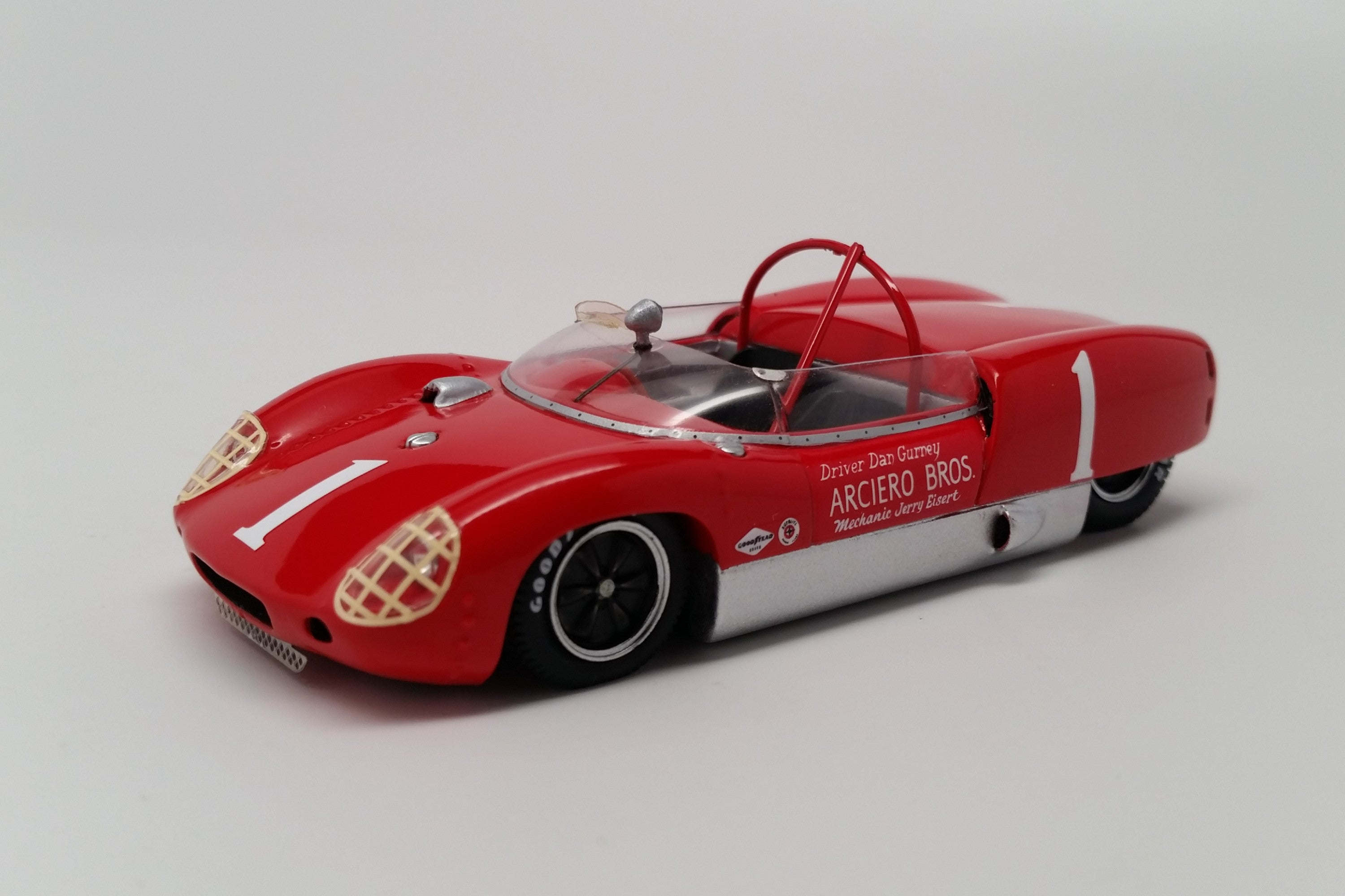 Lotus 19 Climax (1961 Nassau Trophy) | 1:43 Scale Model Car by Spark | Front Quarter