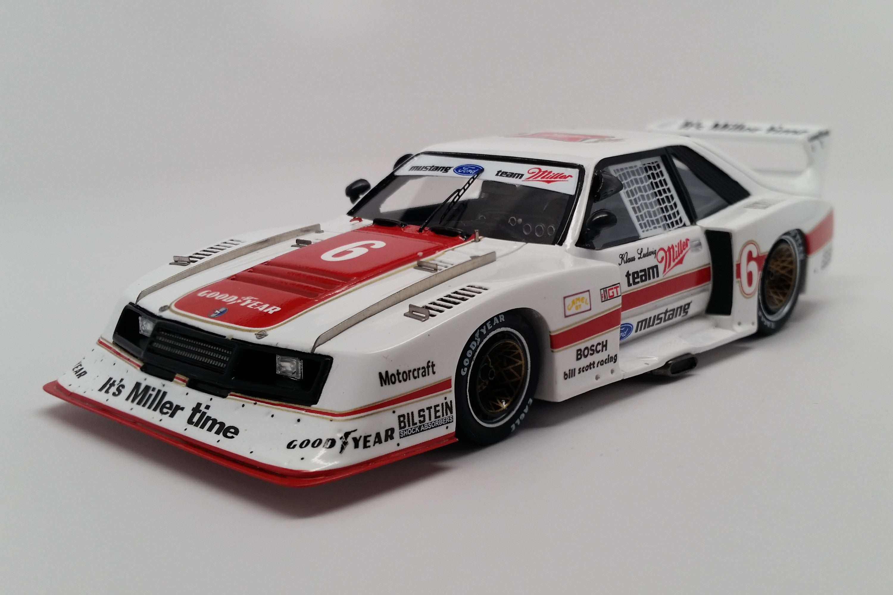 Ford Mustang GTX (1981 Brainerd 200km) | 1:43 Scale Model Car by Spark | Front Quarter