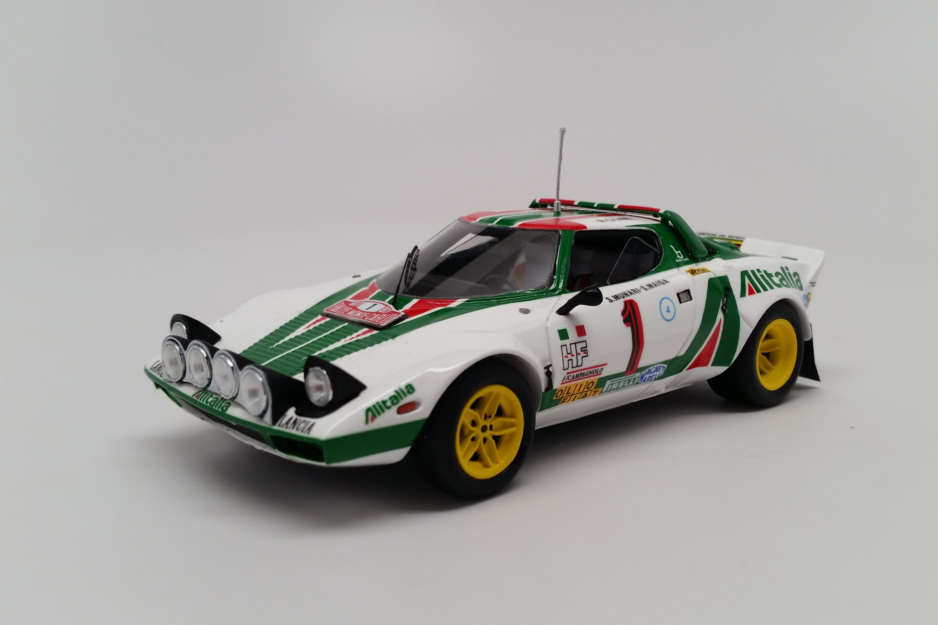 Lancia Stratos HF (1977 Rally Monte Carlo) | 1:43 Scale Model Car by Spark | Front Quarter