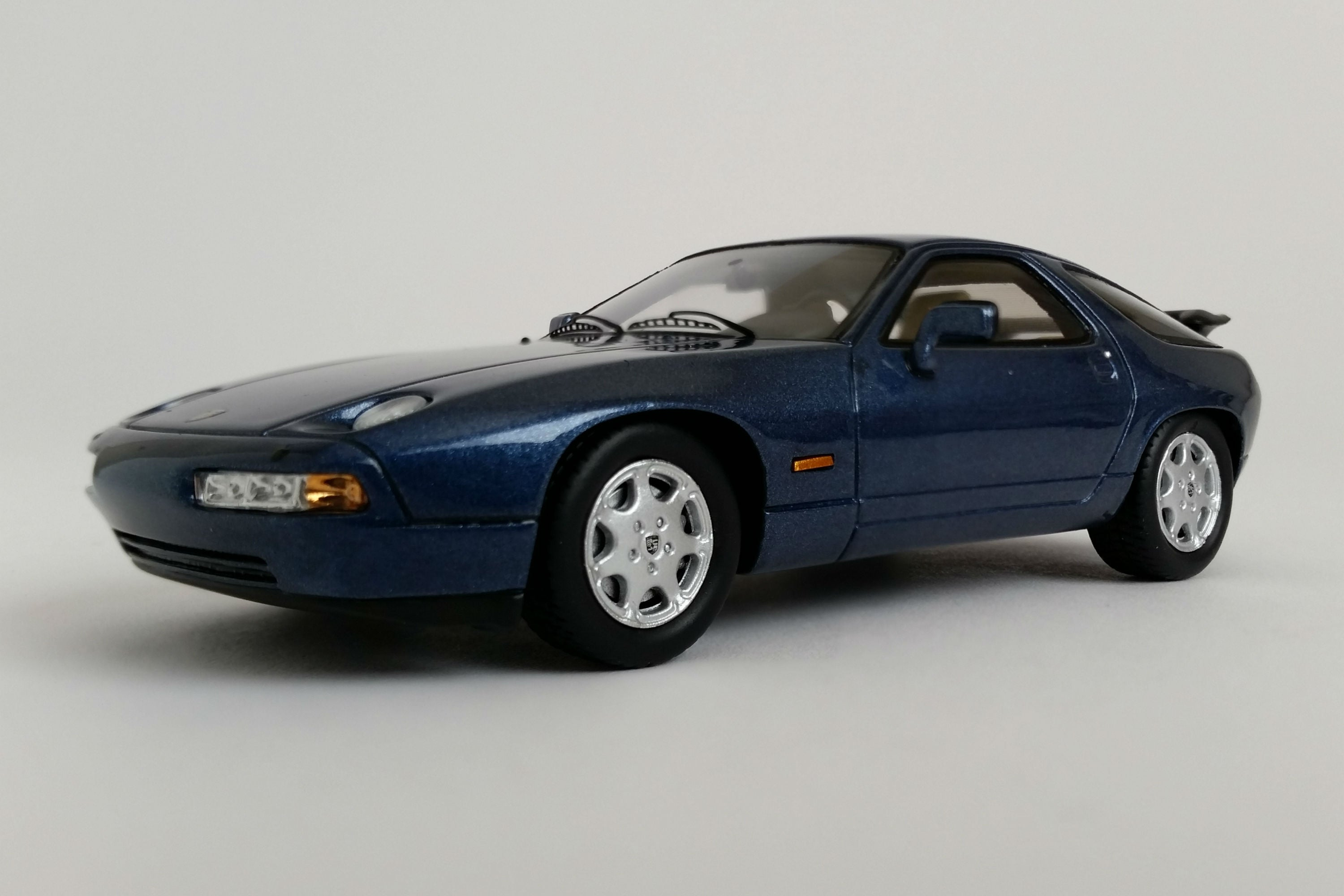 Porsche 928 GT (1989) | 1:43 Scale Model Car by Spark | Front Quarter