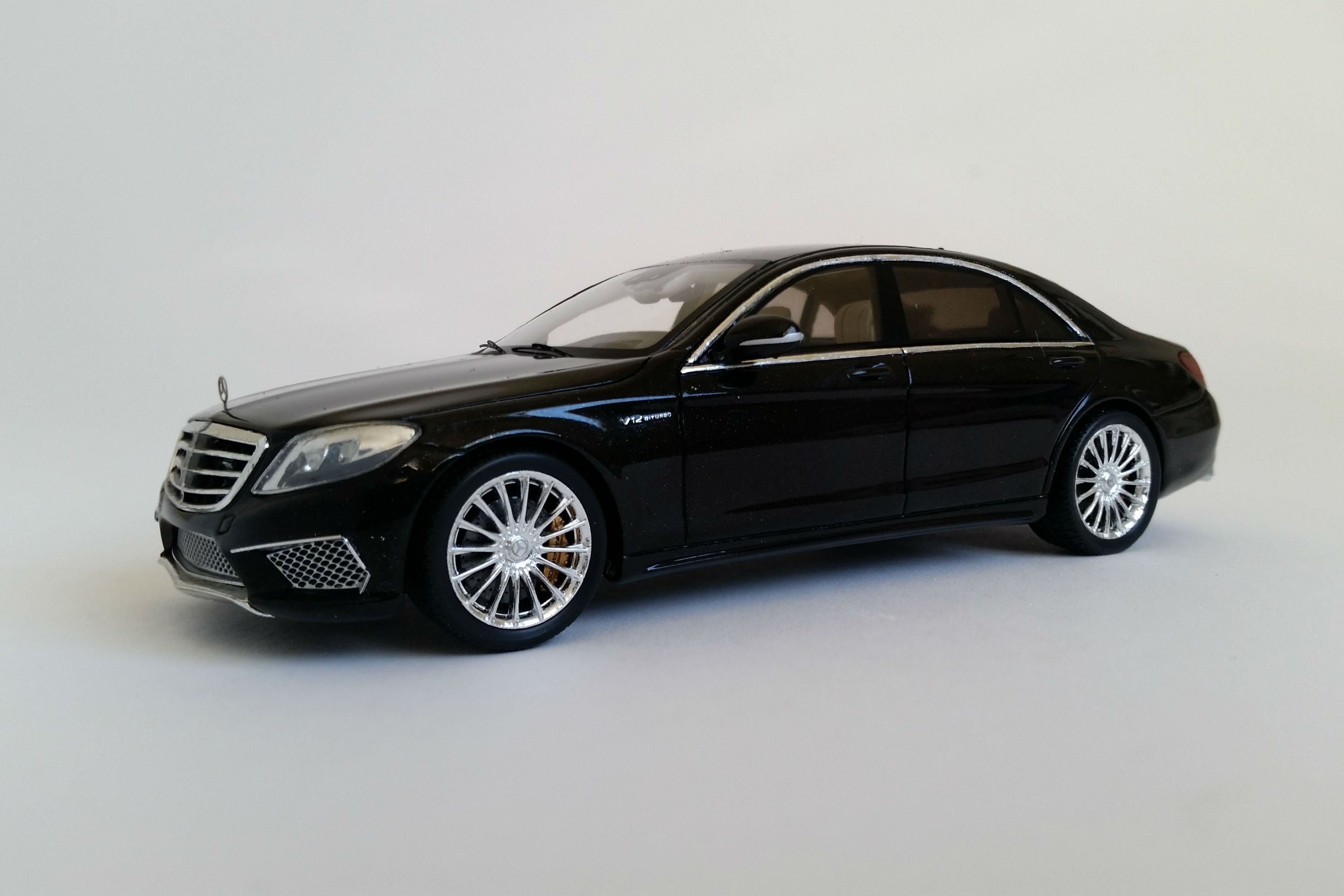 Mercedes-AMG S65 | 1:43 Scale Model Car by Spark | Front Quarter
