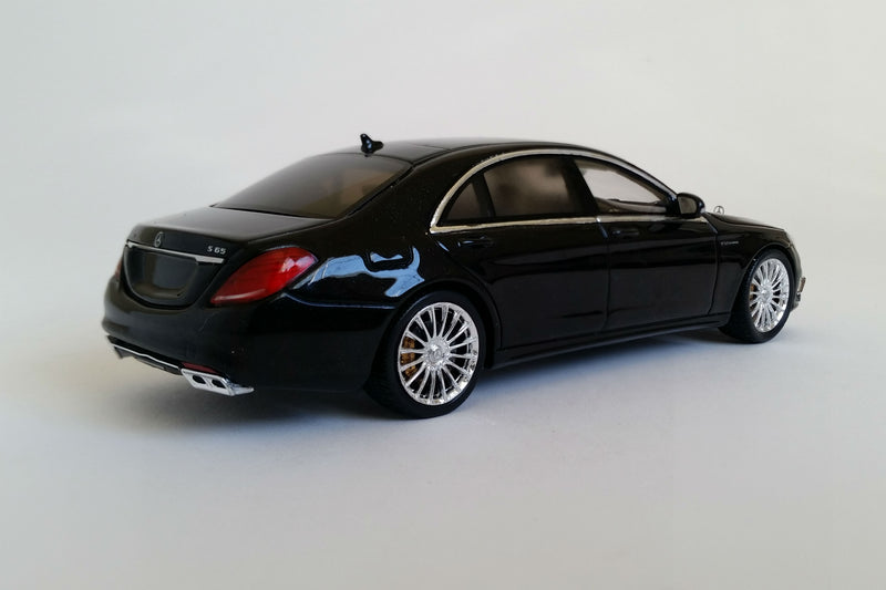 Mercedes-AMG S65 | 1:43 Scale Model Car by Spark | Rear Quarter