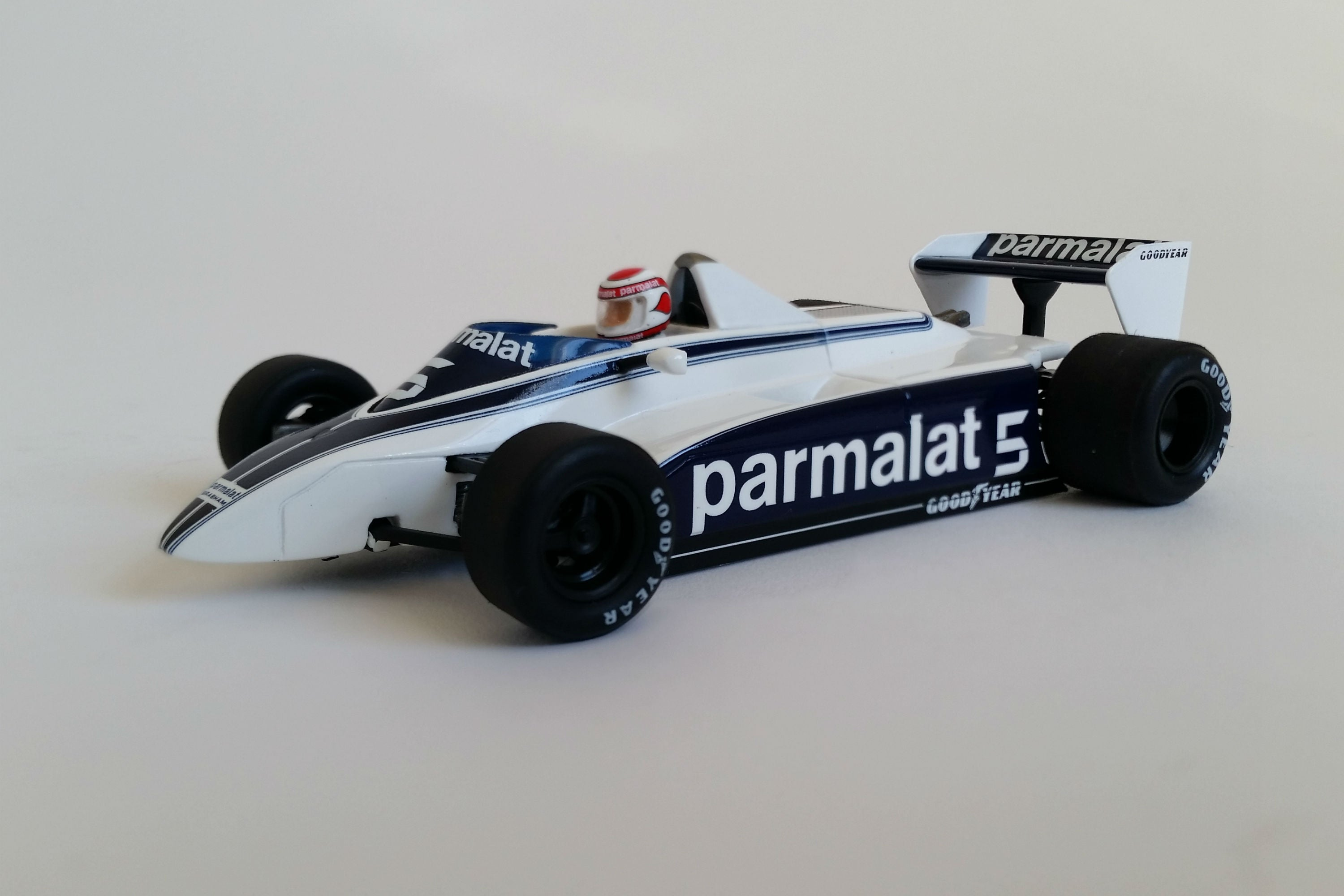 Brabham BT49 N. Piquet 1980 USGP West | 1:43 Scale Model Car by Spark | Front Quarter