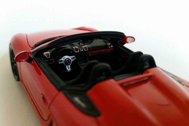 Porsche Boxster Spyder (2015) | 1:43-Scale Model Car by Spark | Interior Detail