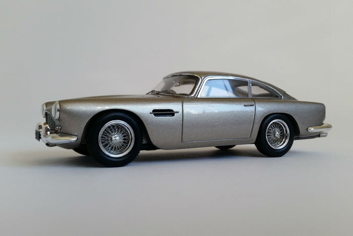 Aston Martin DB4 Series IV | 1:43 Scale Model Car by Spark | Front Quarter