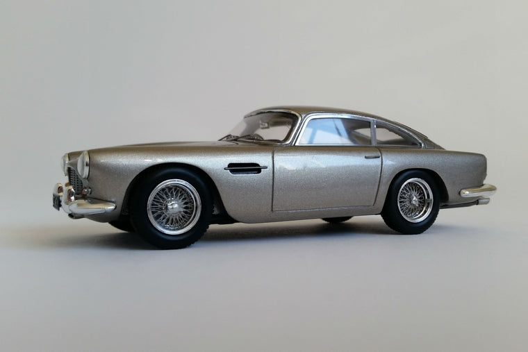 Aston Martin DB4 Series IV - 1:43 Scale Model Car