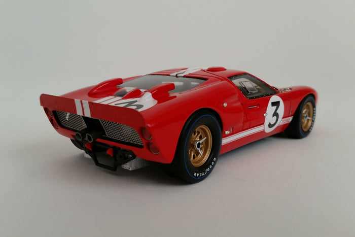 Ford Mk. II 1966 Le Mans Gurney/Grant | 1:43 Scale Model Car by Spark | Rear Quarter