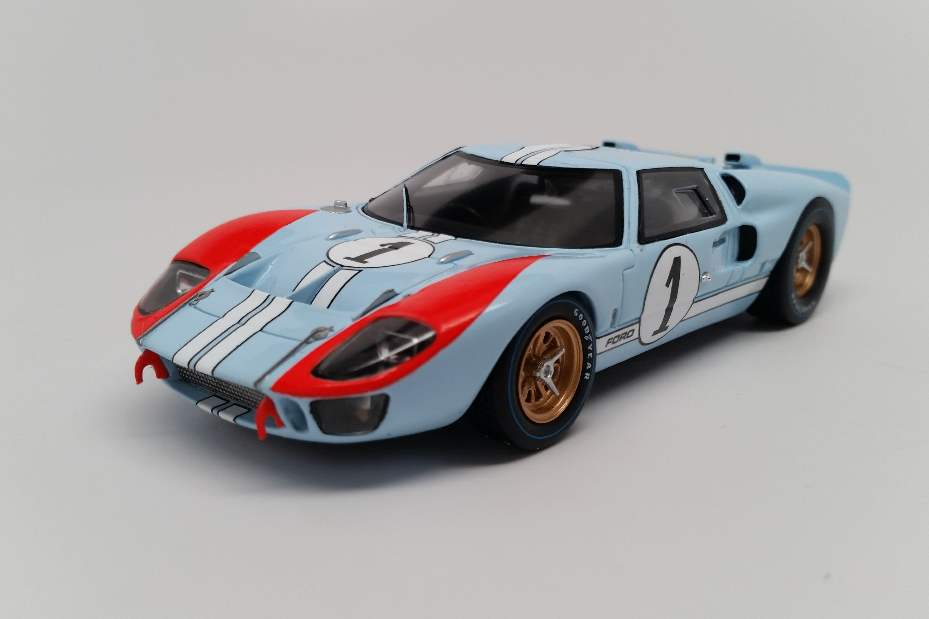 Ford Mk. II (1966 Le Mans - Ken Miles) | 1:43 Scale Model Car by Spark | Front Quarter
