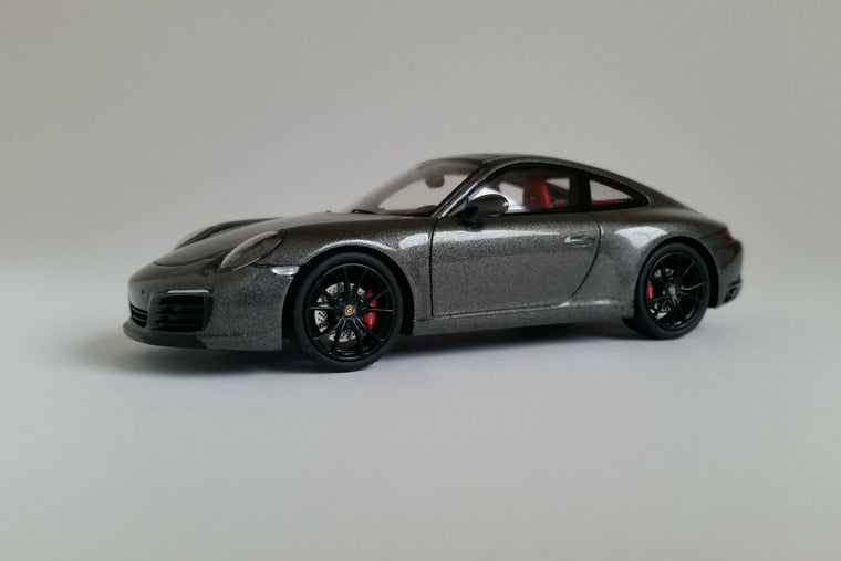 Porsche 991.2 Carrera S (2016) - 1:43 Scale Model Car
