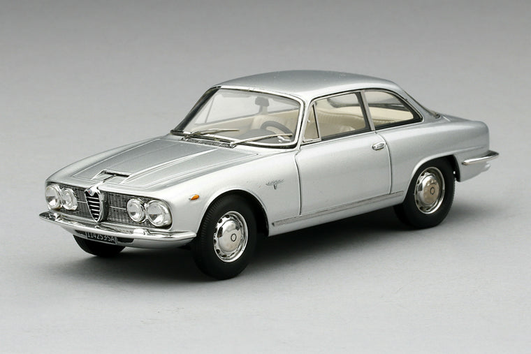 Alfa Romeo 2600 Sprint (1962) - 1:43 Scale Model Car