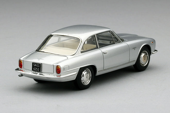 Alfa Romeo 2600 Sprint | 1:43 Scale Model Car by TSM | Rear Quarter